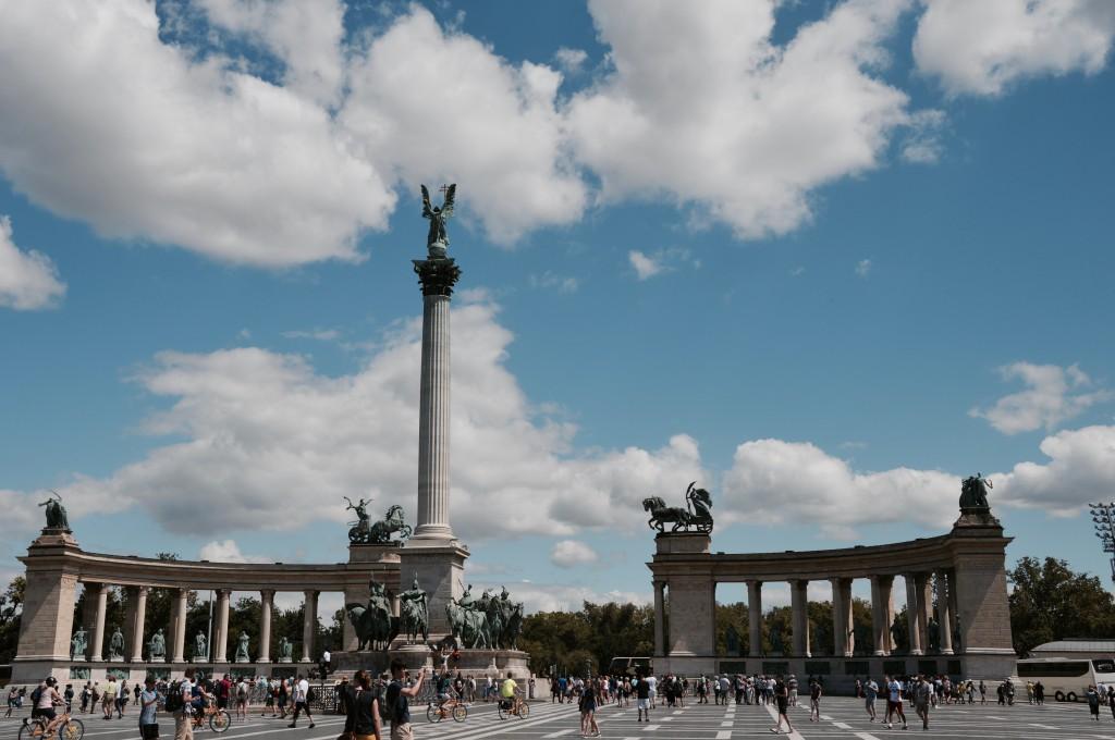 Friedesplatz Budapest Blog Travel Sightseeingtour